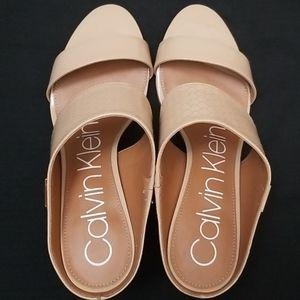 Calvin Klein Heels - Tan size 7.5 Women